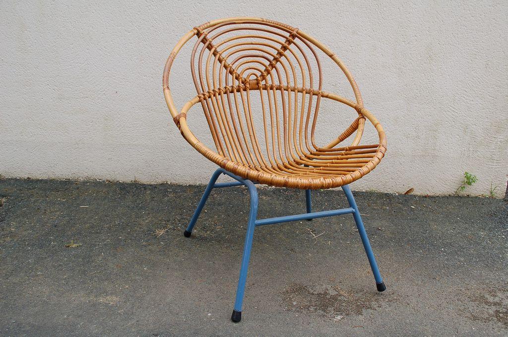 Chaise en osier piètement métallique 1950