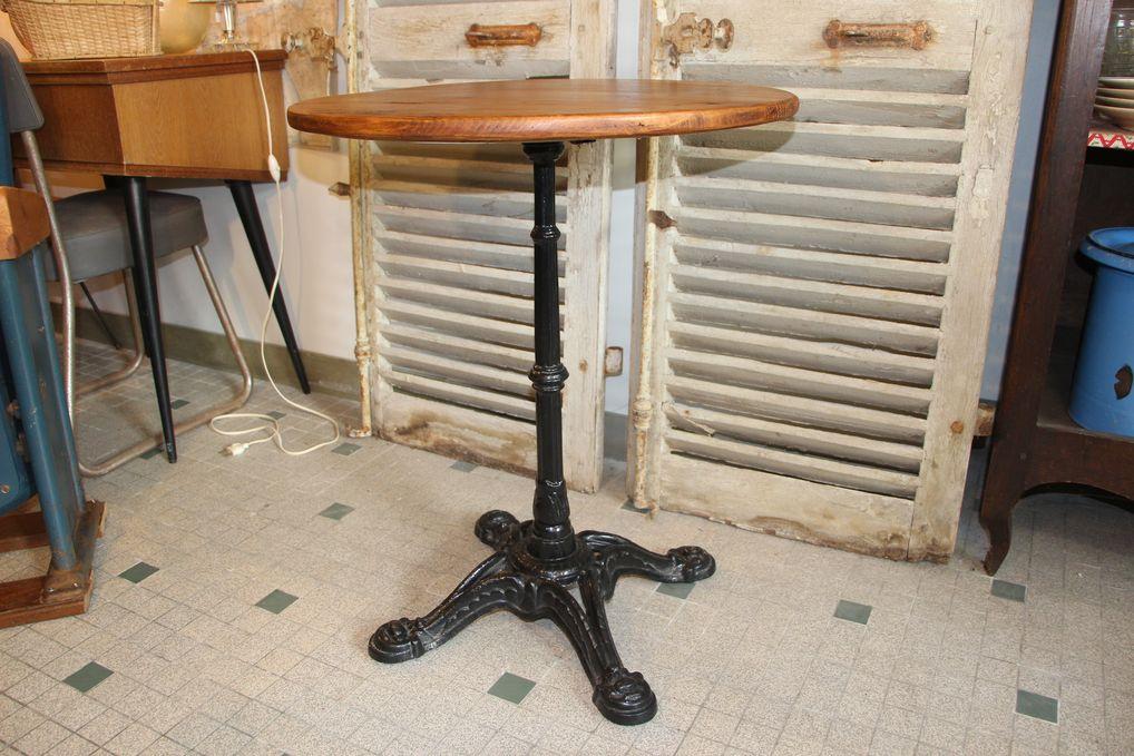 Table de bistrot ronde bois et fonte